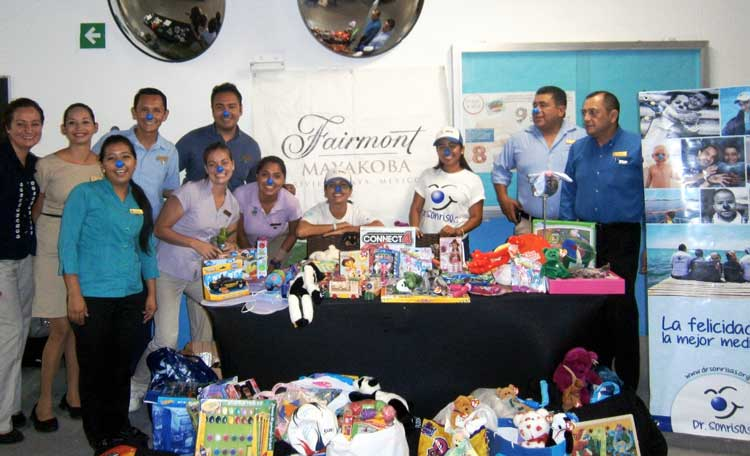 62 kilos of toys for Dr. Sonrisas