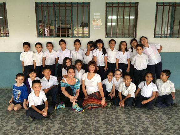 Kimberly-Costa-Rica--Group-Photo-SFW