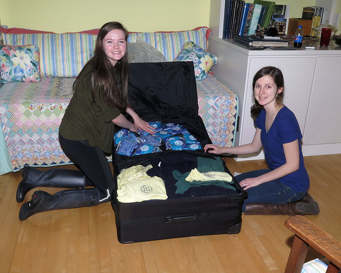 WEB_IMG_4631-adding-to-the-suitcase